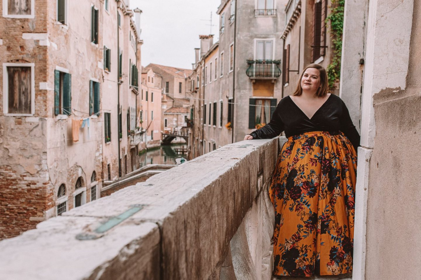 How to get incredible photos of yourself while traveling in Venice, Italy