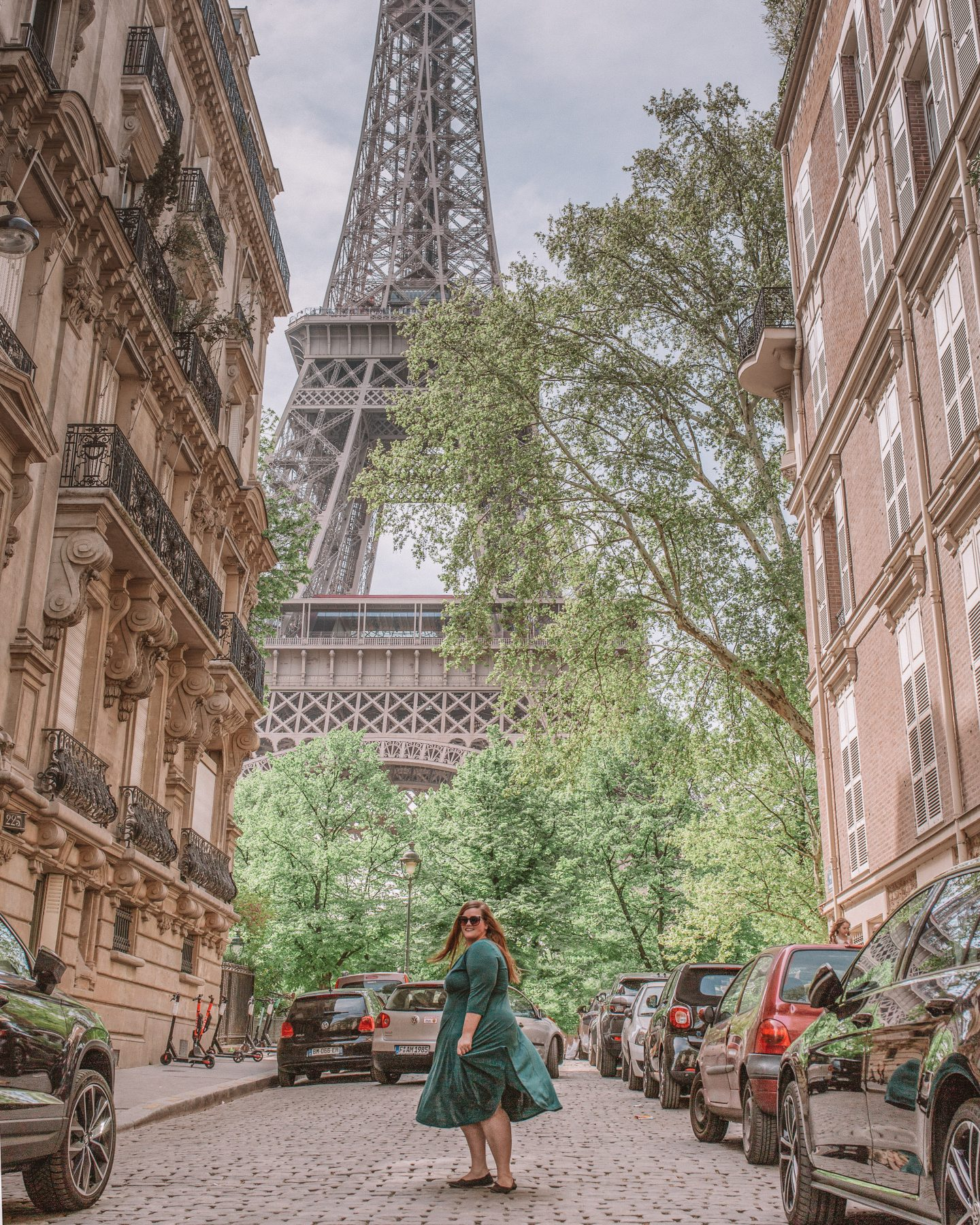How to get incredible photos of yourself while traveling in Paris, France with the Eiffel Tower!