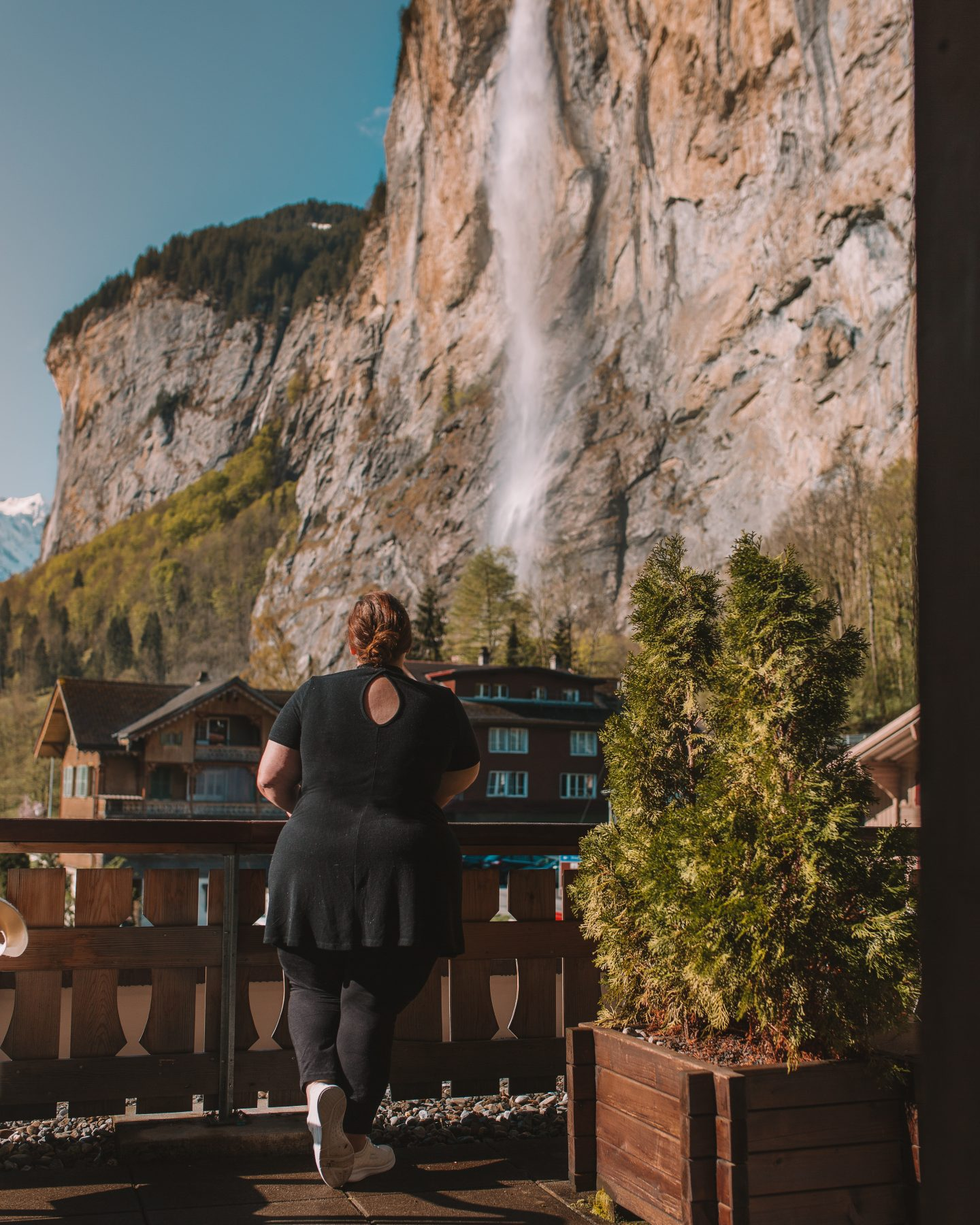 How to get incredible photos of yourself while traveling in Lauterbrunnen, Switzerland!
